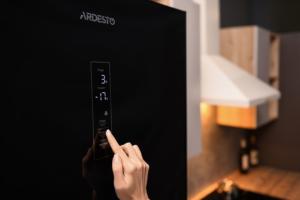 Премиальный холодильник с No Frost-охлаждением и сенсорным управлением — Ardesto DNF-M326GL200