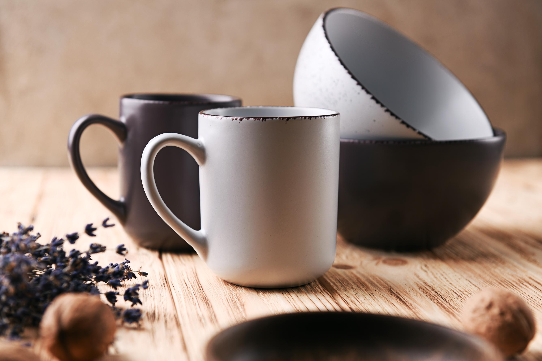 Stoneware tableware by Ardesto